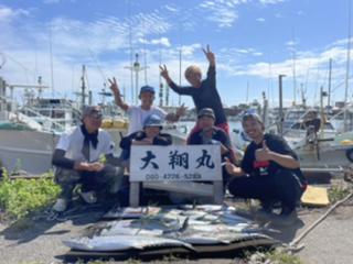 三重県 津大翔丸 サワラ ハマチ爆釣り